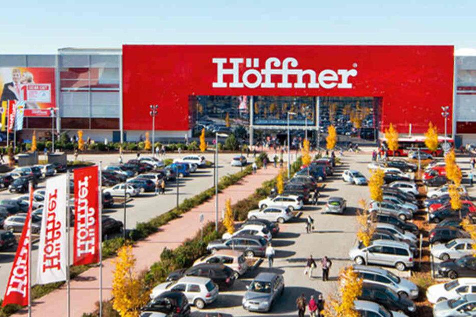 Höffner verkauft Küchen bis Samstag (17.4.) Küchen mit hohem Rabatt