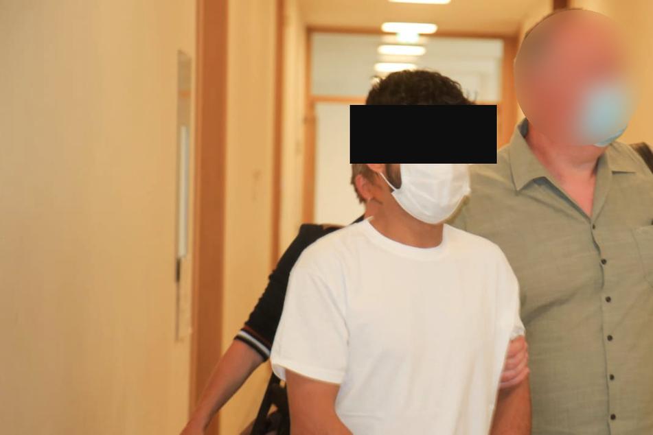 Der 21 Jahre alte Afghane wurde am Montag dem Ermittlungsrichter vorgeführt.