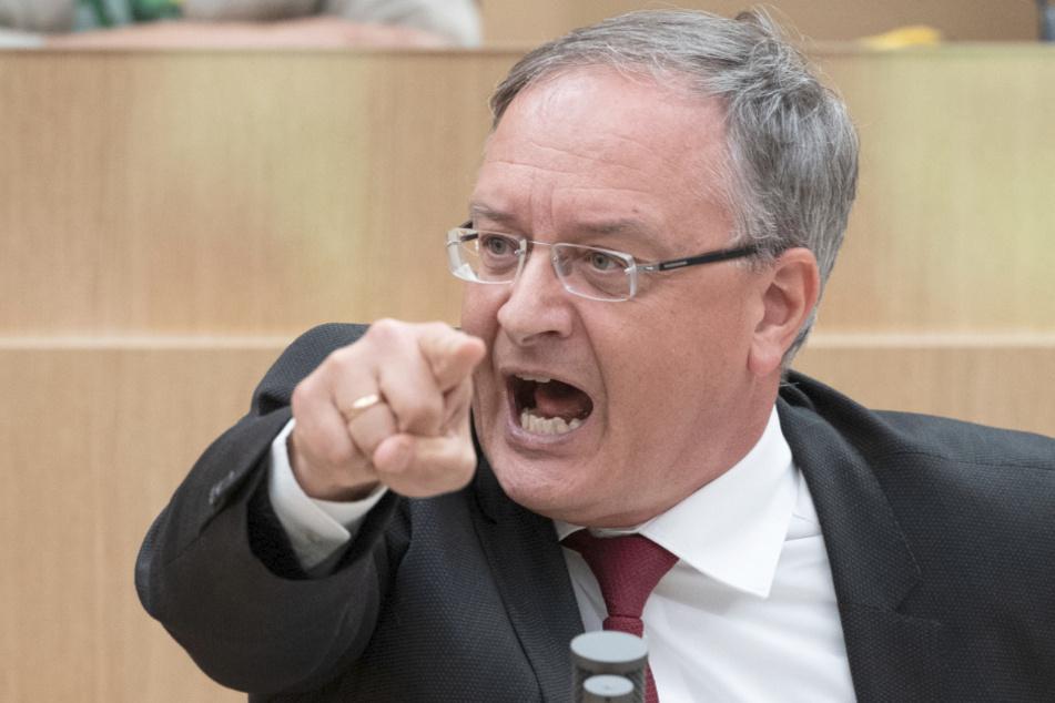 SPD-Parteichef Andreas Stoch (51) bei einer Rede im Landtag.