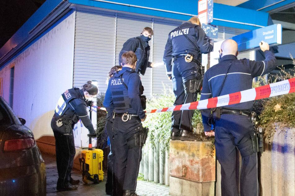 Messer-Attacke in Köln-Mülheim: 28-Jähriger schwebte in Lebensgefahr, Angreifer auf der Flucht