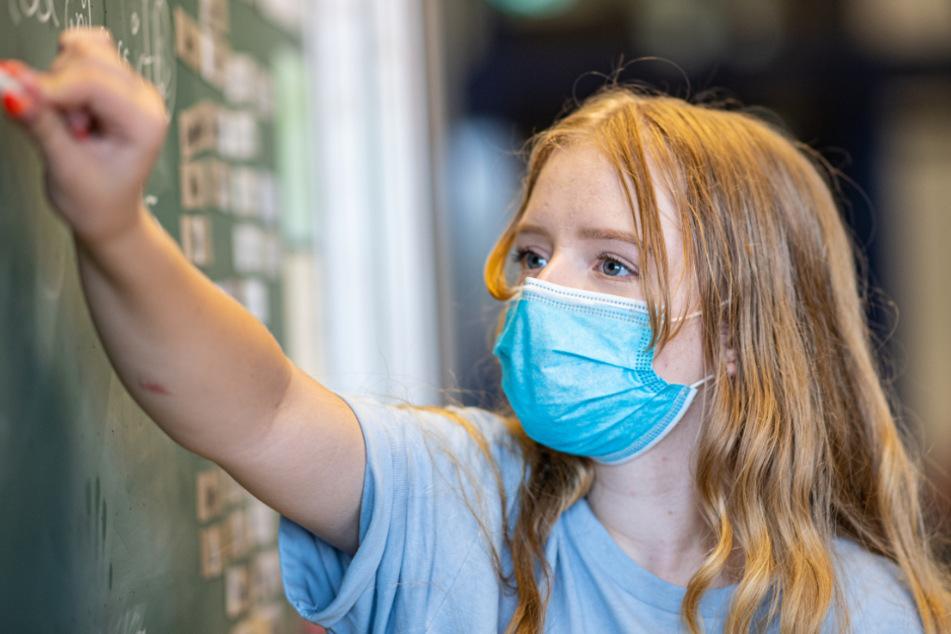 Ende der Maskenpflicht im NRW-Unterricht: Reaktionen sind zwiegespalten