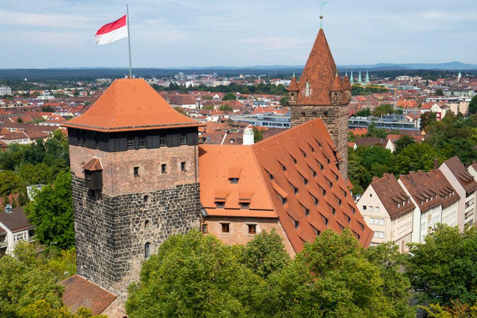 In den Kaiserstallungen in Nürnberg ist eine der ältesten Jugendherbergen untergebracht. Weil Klassenfahrten bis Anfang 2021 ausfallen, rechnen die Häuser in Bayern mit Verlusten in Millionenhöhe.