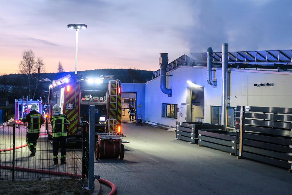 Feuerwehreinsatz in Aue: Brand in Fabrikgebäude
