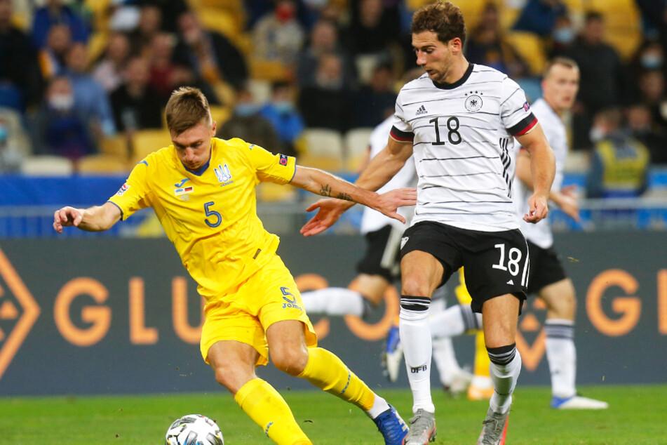 Sergej Sidortschuk (l.) kam im Hinspiel noch für die Ukraine zum Einsatz. Im Rückspiel fehlt er wegen einer Corona-Erkrankung.
