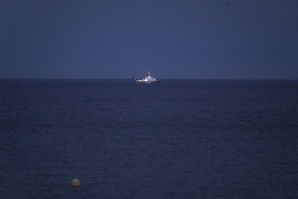 """Das ozeanografische Schiff """"Angeles Alvarino"""" war an der Suche nach den vermissten Mädchen beteiligt."""