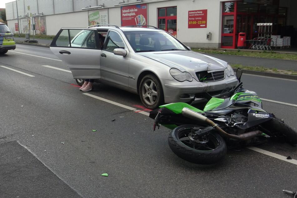 Motorrad-Fahrer schwer verletzt: Betrunkener flüchtete zunächst vom Unfallort