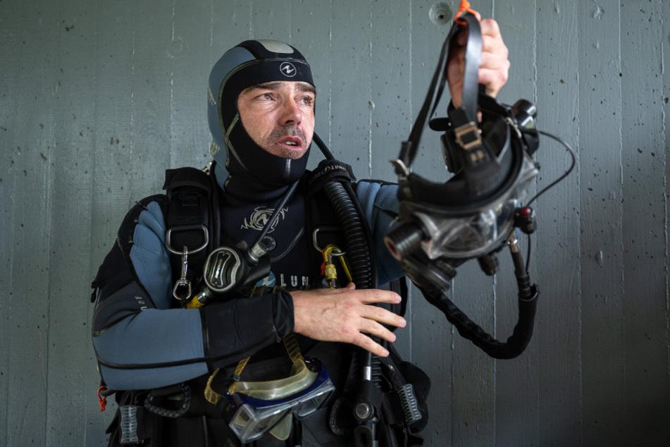Polizeitaucher im Einsatz: Das machen die Beamten unter Wasser