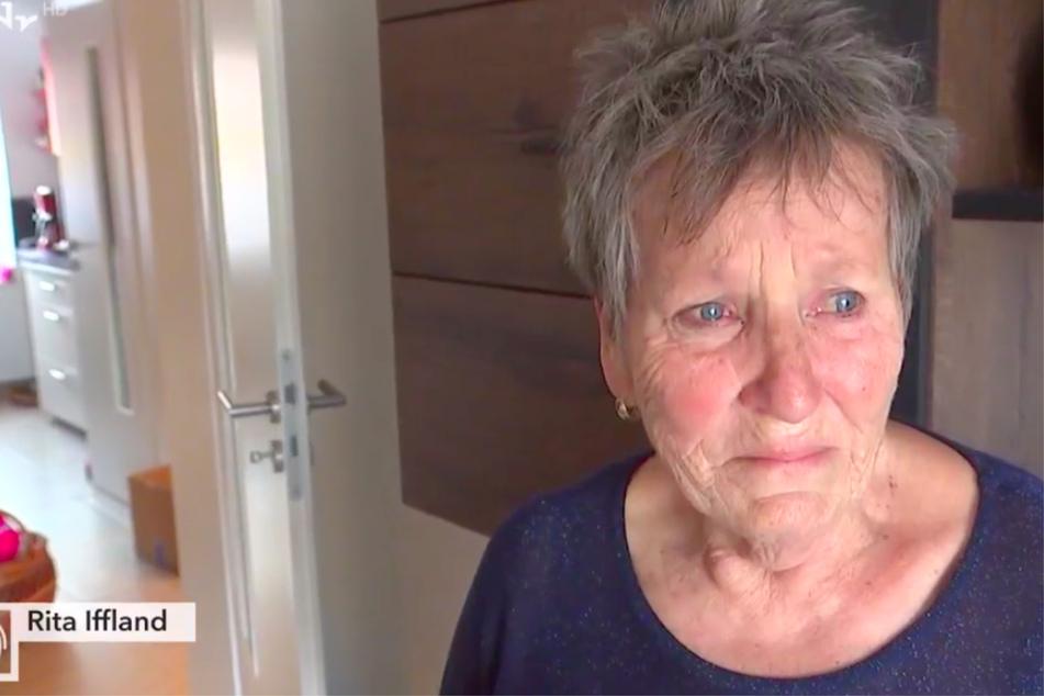 Rita Iffland (77) ist sichtlich traurig. Ihre beiden Hunde wurden von einem Auto totgefahren. Der Fahrer flüchtete.