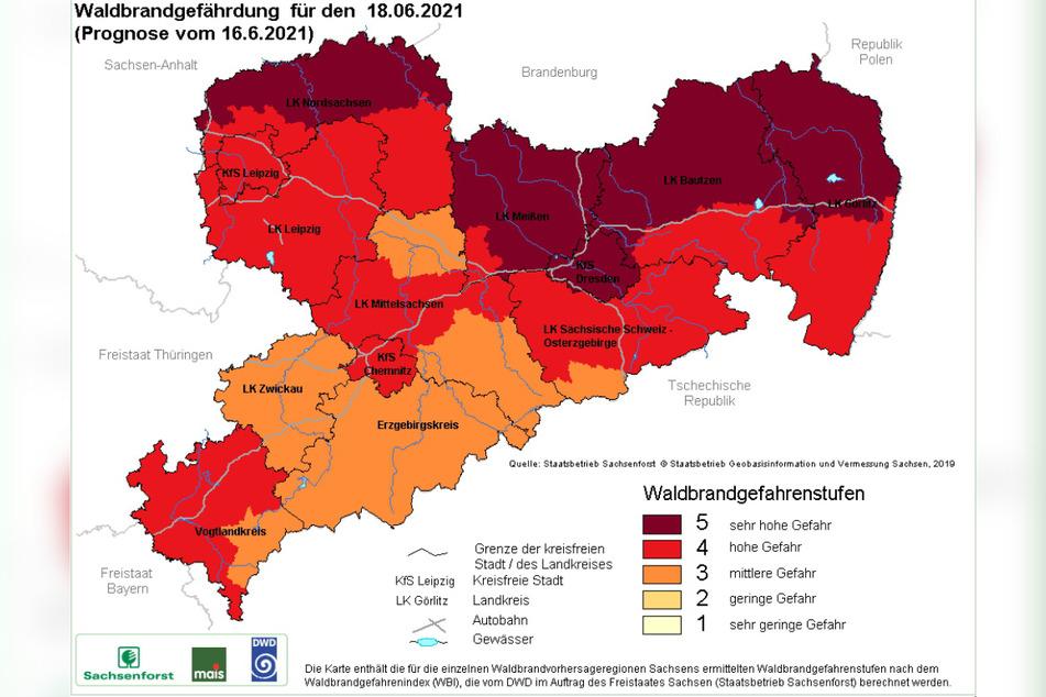 Die Waldbrand-Warnkarte für den morgigen Freitag – im Norden und Nordosten des Freistaats ist die höchste Warnstufe ausgerufen.