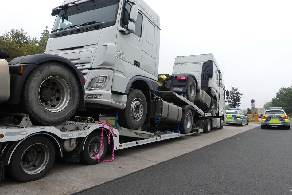 Der Lkw hatte insgesamt drei Sattelzüge aufgeladen.