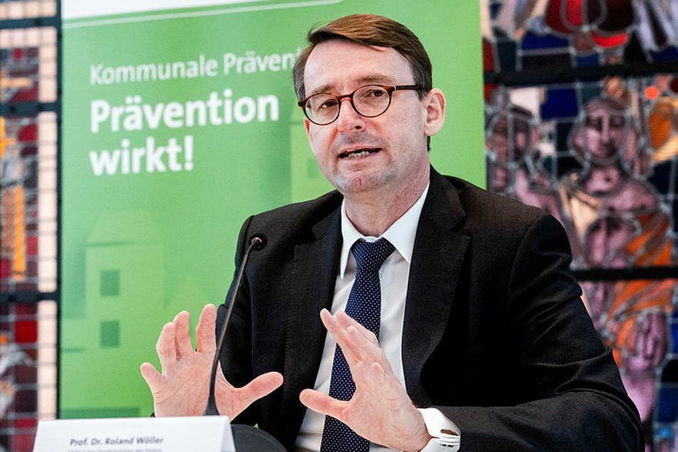 Grüne forderten den Rücktritt von Innenminister Roland Wöller (50, CDU).
