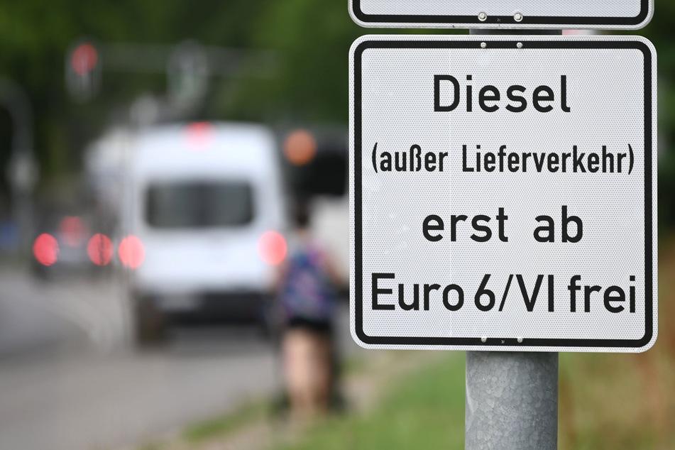 Nach den abgewendeten Diesel-Fahrverboten in NRW sehen die Grünen den Weg zu einer klimafreundlichen Verkehrswende noch weit. (Symbolfoto)