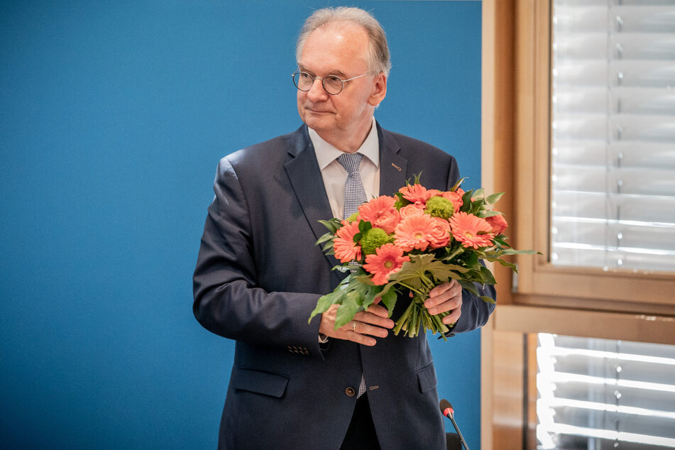Nun ist es offiziell: Reiner Haseloff (67, CDU) bleibt Sachsen-Anhalts Ministerpräsident.