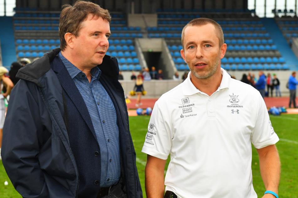 Geschäftsführer Jörg Dreßler (r.) und die Monarchs befinden sich in einer schwierigen Lage. (Archivbild)
