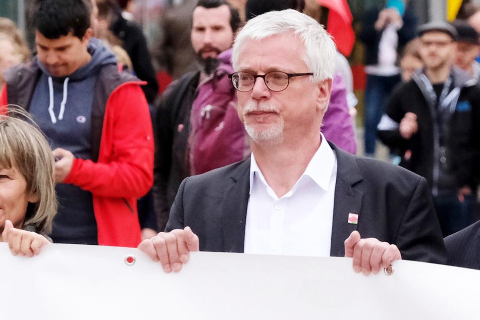 Sachsens DGB-Vorsitzender Markus Schlimbach während einer Demonstration.