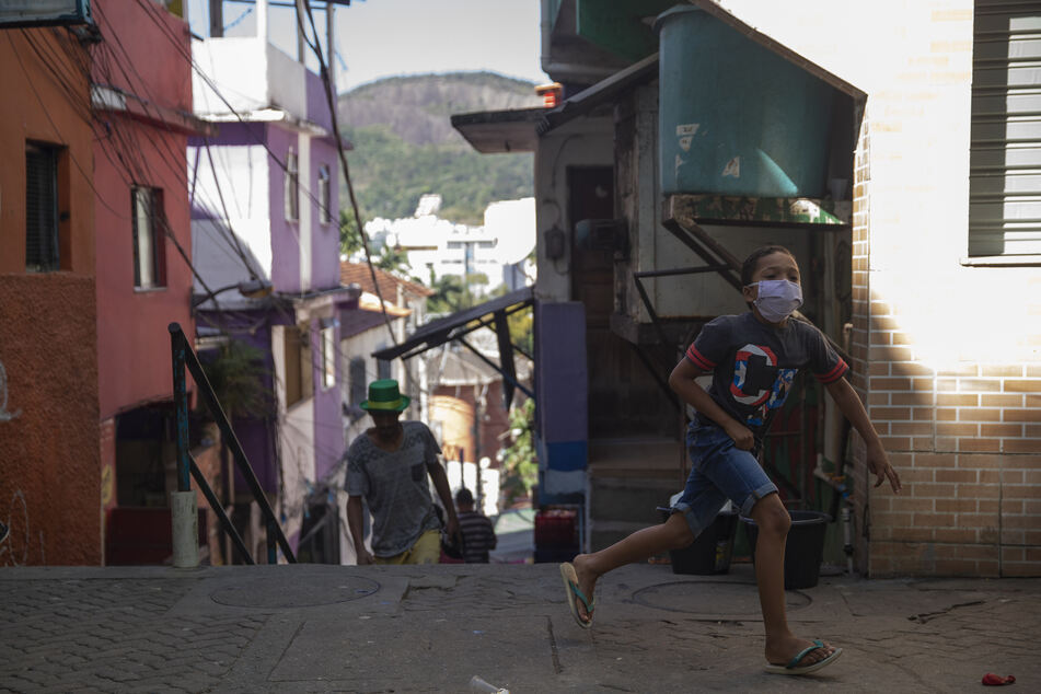 Brasilien ist mit 2,4 Millionen Corona-Infizierten das am zweitschlimmsten betroffene Land der Welt. (Archivbild)