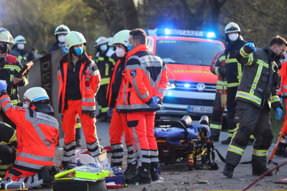 Tödlicher Unfall kurz vor Hamburg: Audi-Fahrer hat keine Chance