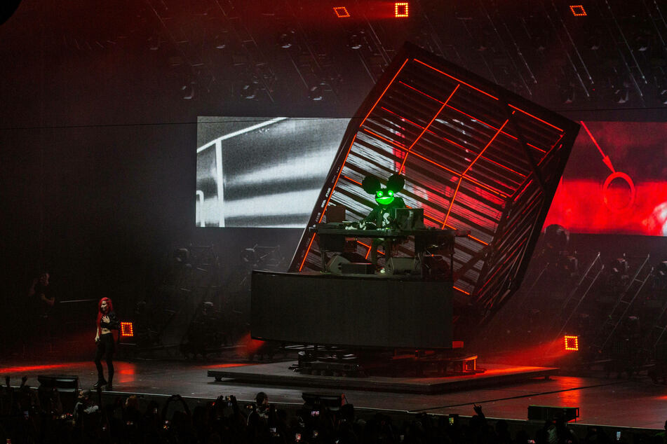 Deadmau5 usually draws in densely packed crowds, but 5-person-pods will have to do for now.
