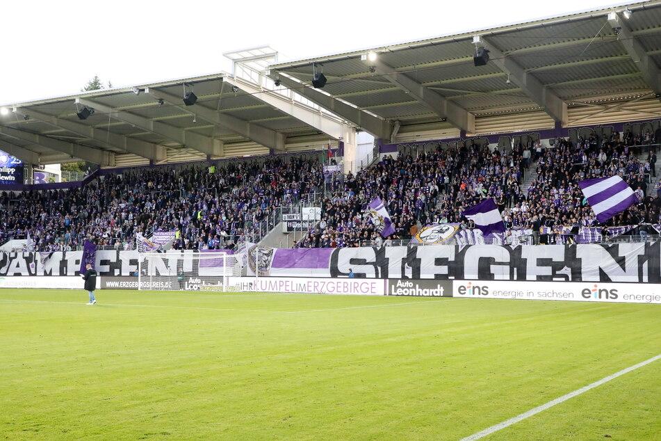 Auch wenn das Erzgebirgsstadion auch künftig nur zur Hälfte ausgelastet werden kann, soll das der Stimmung wie gegen den HSV keinen Abbruch tun.