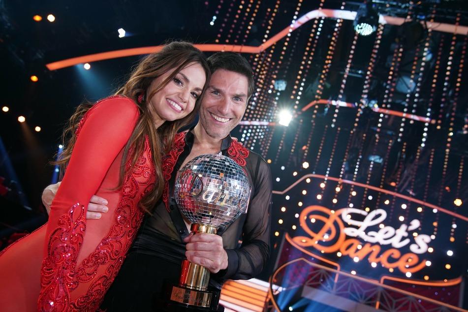 """Christina Luft (30) und Christian Polanc (42) gewannen am Freitagabend die Profi-Challenge bei """"Let's Dance""""."""
