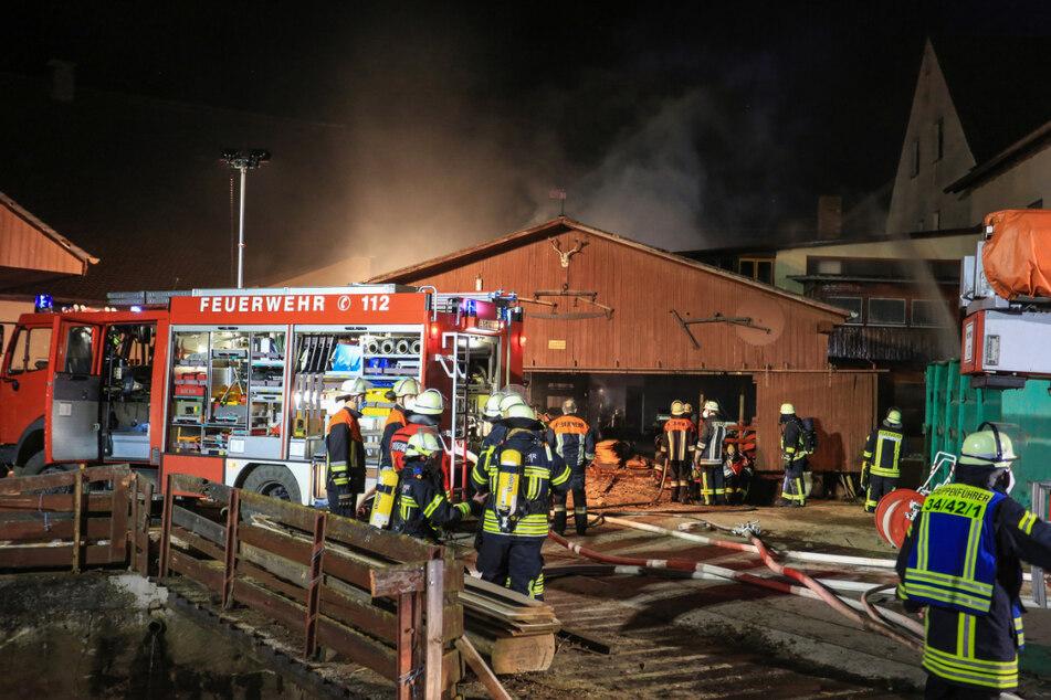 Brand in Sägewerk: Dieselmotor fängt Feuer und entzündet Sägespäne
