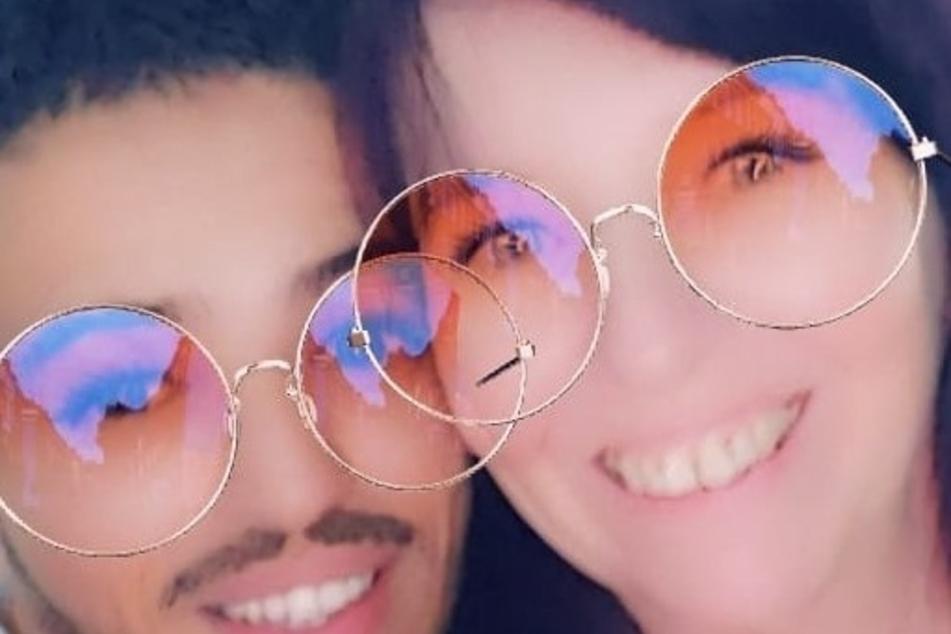 Das ungleiche Paar lernte sich via Facebook kennen und lieben.