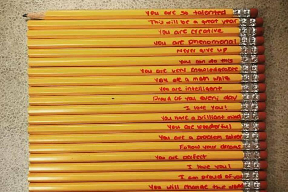 Diese Bleistifte hatte eine Mutter für ihren Sohn vorbereitet.