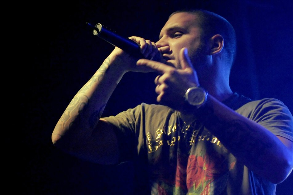 Der Rapper Fler bei einem Auftritt in Berlin 2009