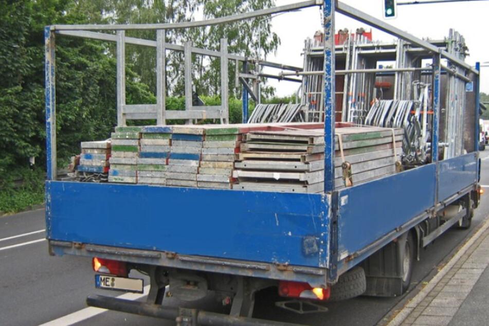 Der Laster war um 3,3 Tonnen überladen.