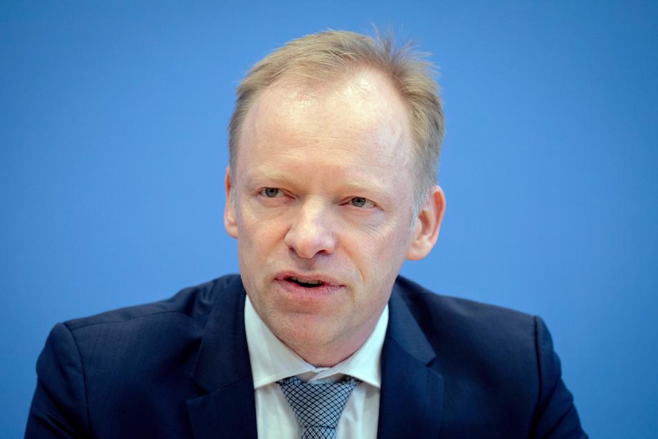 """Clemens Fuest ist der Präsident des Münchner Instituts für Wirtschaftsforschung und fordert statt """"Zero Covid"""" lieber eine """"No Covid""""-Konzept."""