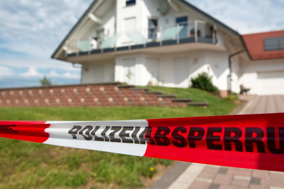 Das Foto aus dem Juni 2019 zeigt den Tatort: Das Wohnhaus von Walter Lübcke in Wolfhage bei Kassel.