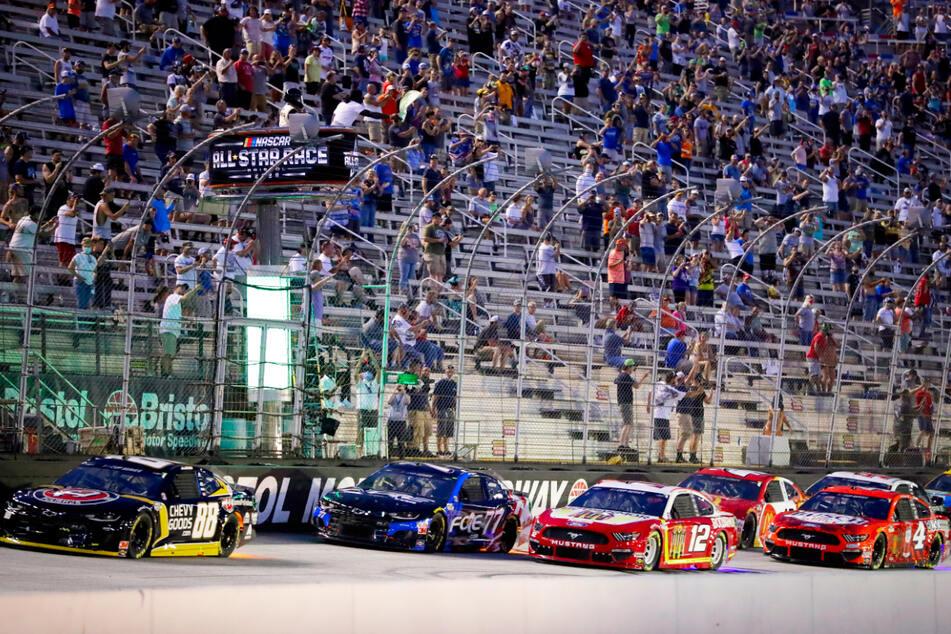 Trotz Corona: Mehrere tausend Zuschauer live bei Nascar-Rennen in den USA