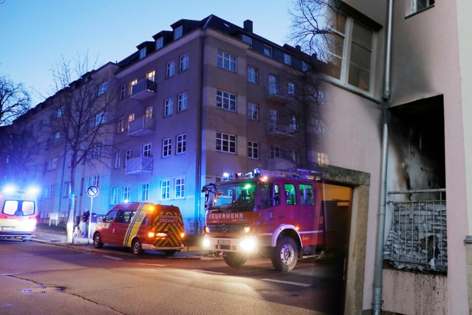 Chemnitz: Balkonbrand: Wohnhaus in Chemnitz evakuiert