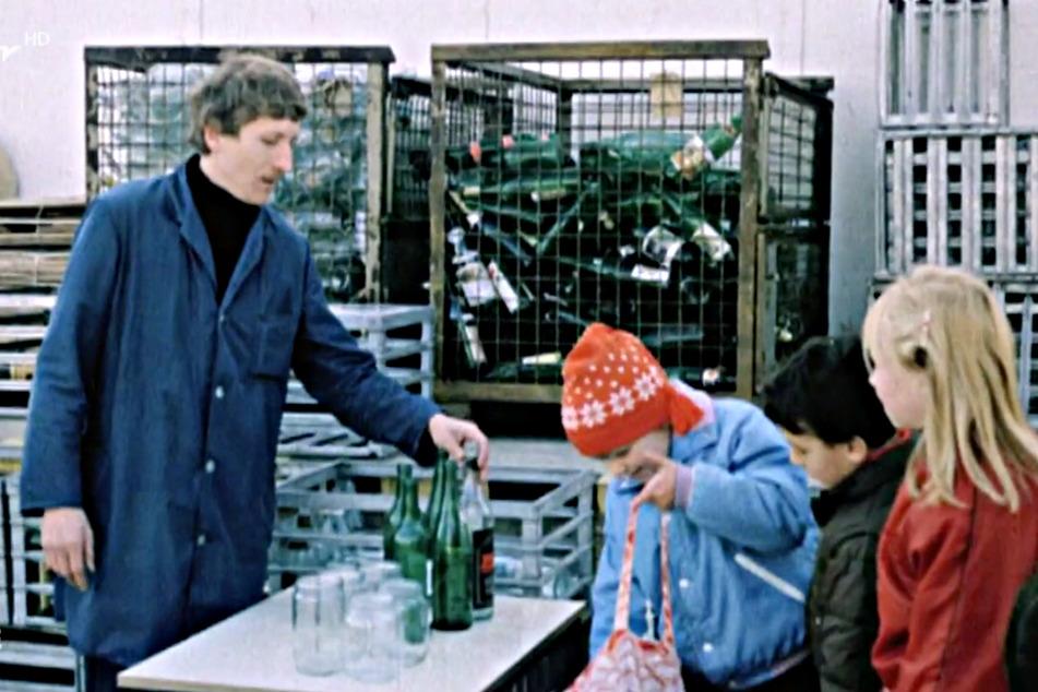 """Auch Flaschen waren begehrte """"Handelsware"""" unter den Sammlern."""