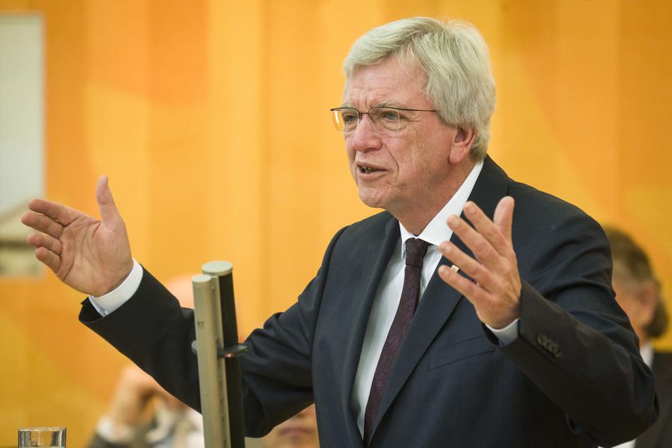 """Stunde Null"": Hessens Ministerpräsident Bouffier vergleicht Corona-Krise mit Nachkriegszeit"