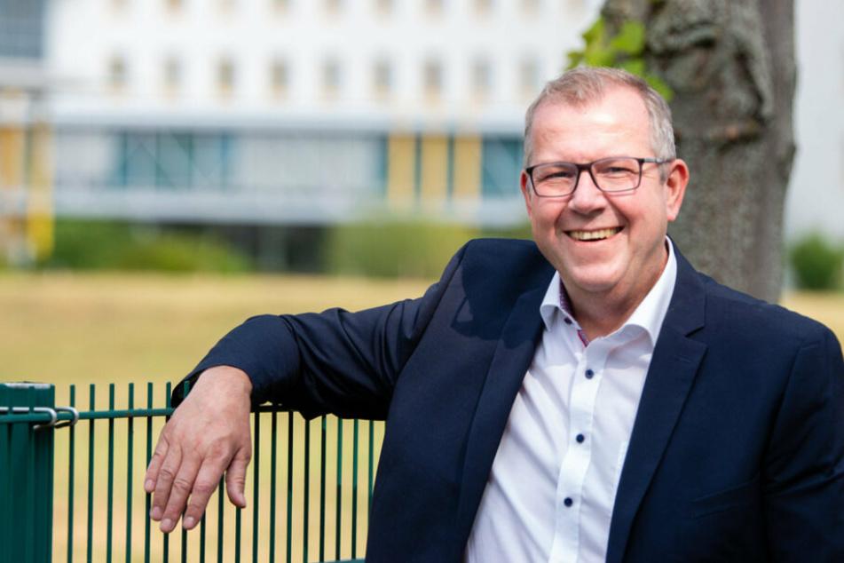 Ilko Keßler (48) liegt nach dem ersten Wahlgang für das Bürgerforum in Arnsdorf vorn. Er hat ein SPD-Parteibuch.