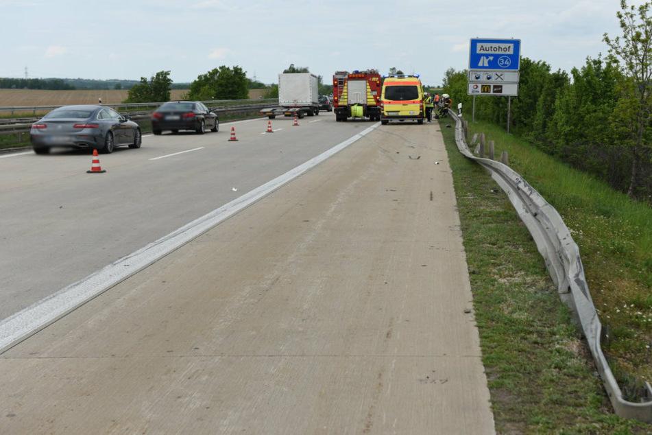Schwerer Crash auf A14: Skoda kracht mit VW zusammen, Kind verletzt