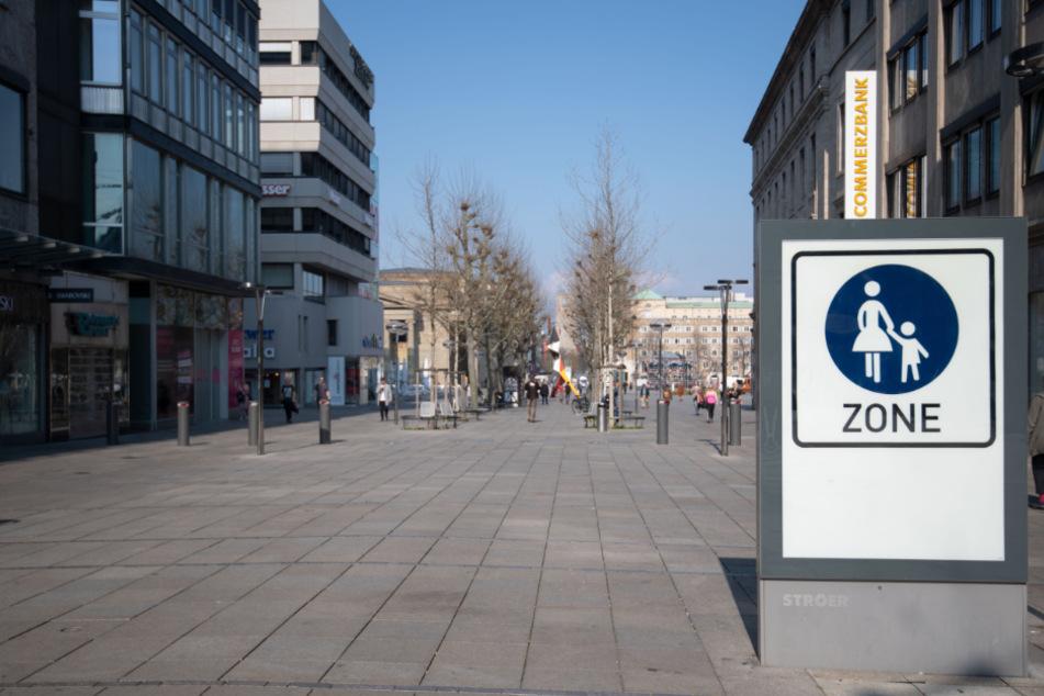 Stuttgarts Shopping-Meile, die Königstraße, ist fast menschenleer.