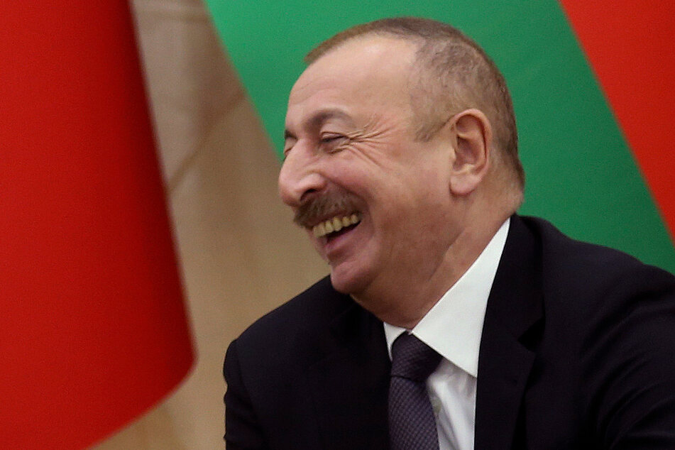 Aserbaidschan wird seit 2003 von Präsident Ilham Aliyev regiert. Zuvor hatte Aliyavs Vater Heydar Aliyev zehn Jahre lang die Macht in Baku inne.