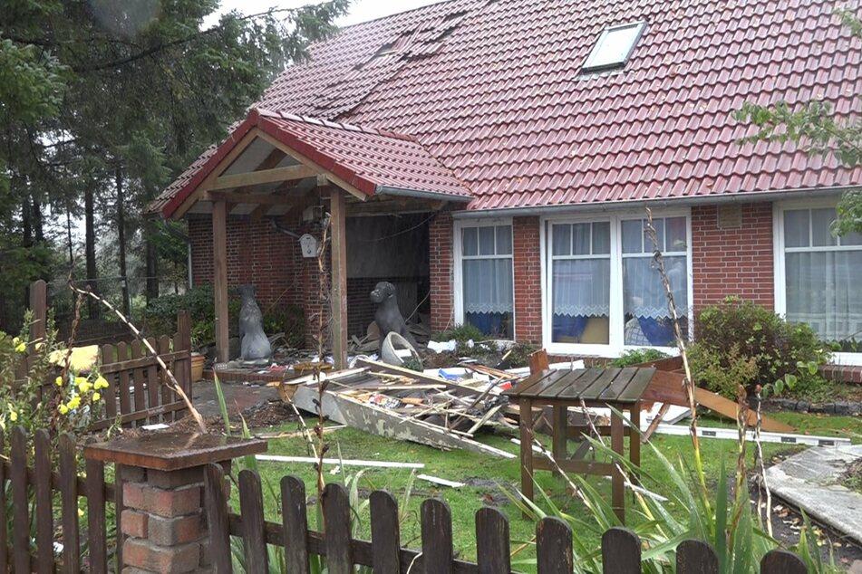 Wohnhaus fliegt teils in die Luft: Mehrere Verletzte nach Explosion