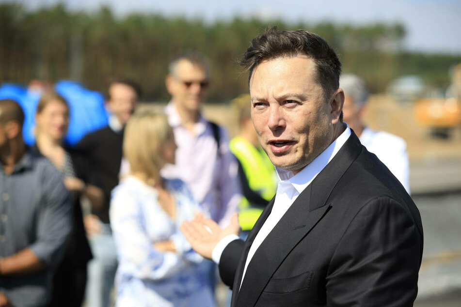 "Tesla co-founder Elon Musk says he has ""most likely"" been infected with Covid-19."