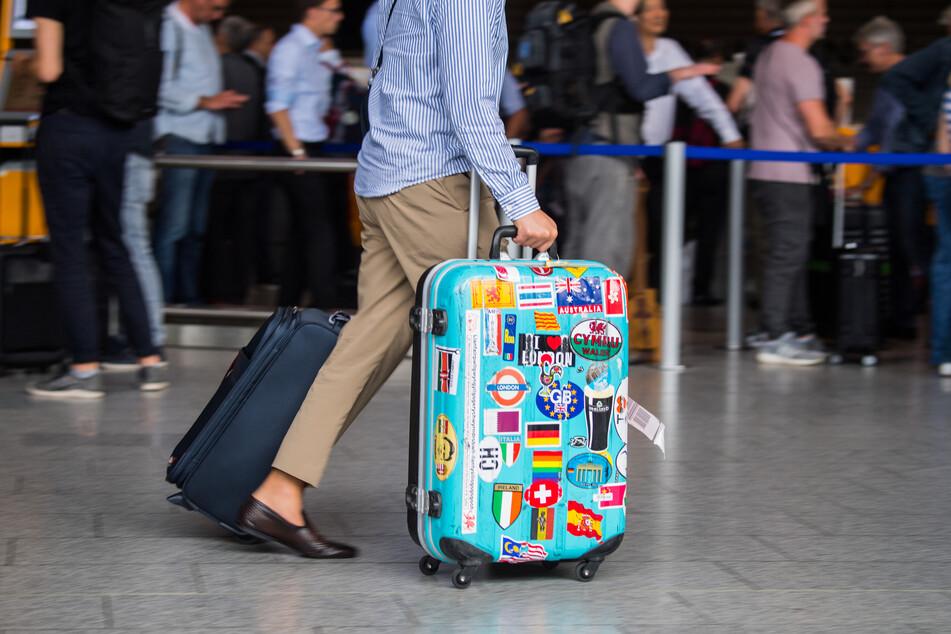 Reiserückkehrer sollen sich bitte in freiwillige 14-tägige Quarantäne begeben.