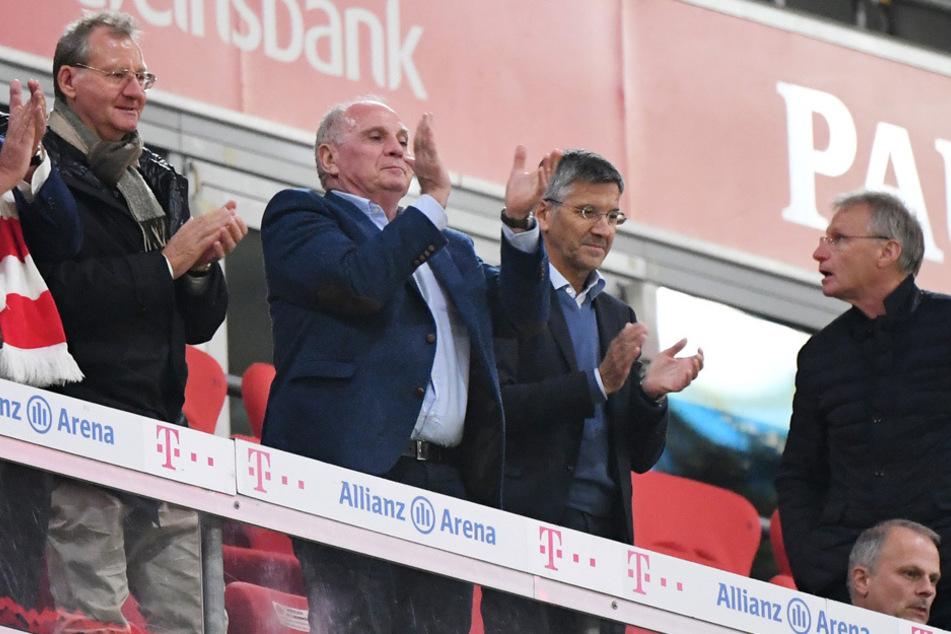 Böses Foul: Die Bayern-Funktionäre werden für ihre verpasste Vorbildfunktion kritisiert.