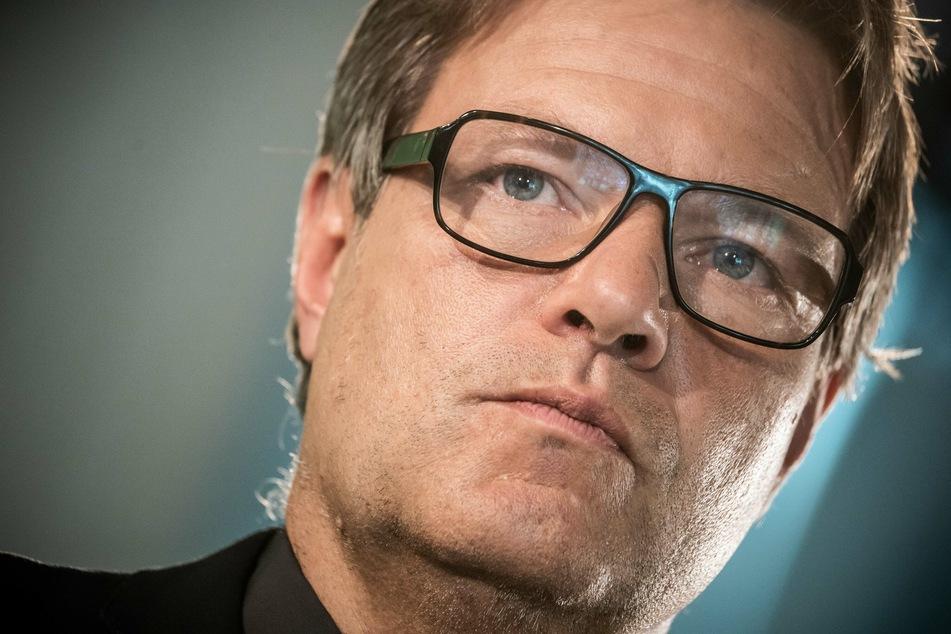 Grünen-Chef Robert Habeck (51) fordert die Bekämpfung des falsch verstandenen Korpsgeist bei der Polizei.