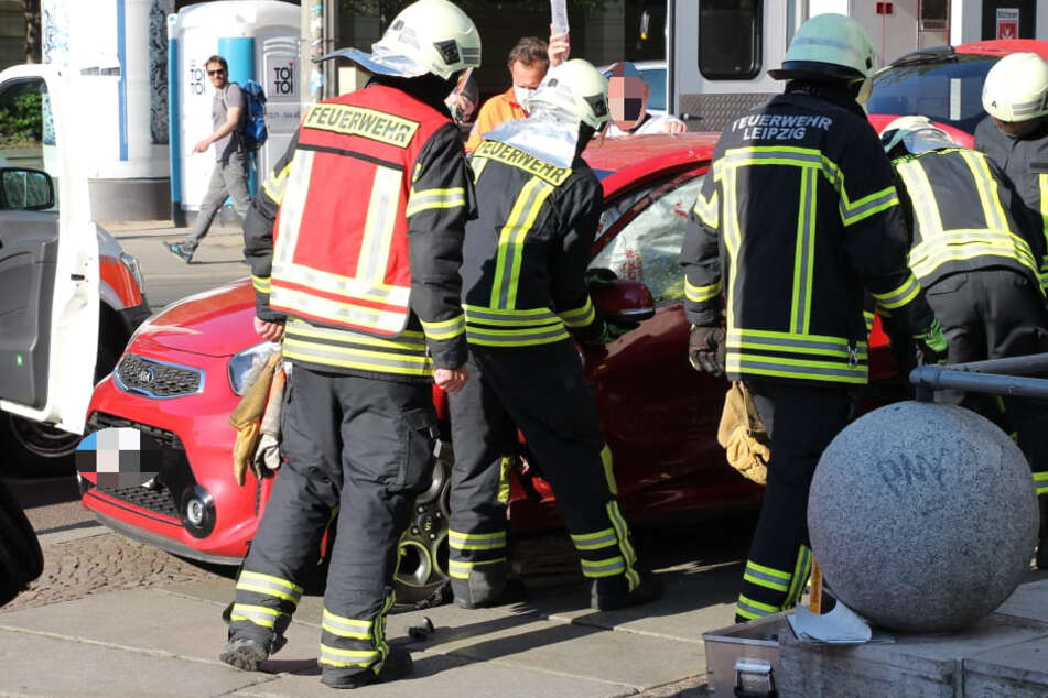 Skoda nimmt Kia die Vorfahrt: Heftiger Unfall auf der Karli!