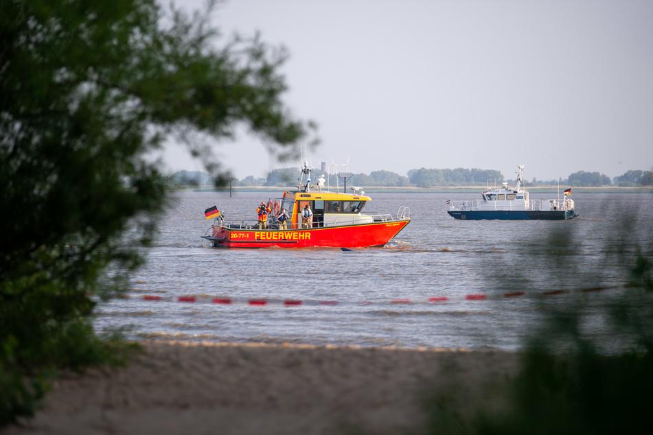 Nach Angaben der Wasserschutzpolizei kamen sowohl mehrere Boote als auch ein Hubschrauber bei der Suche nach dem Mann zum Einsatz. (Symbolbild)