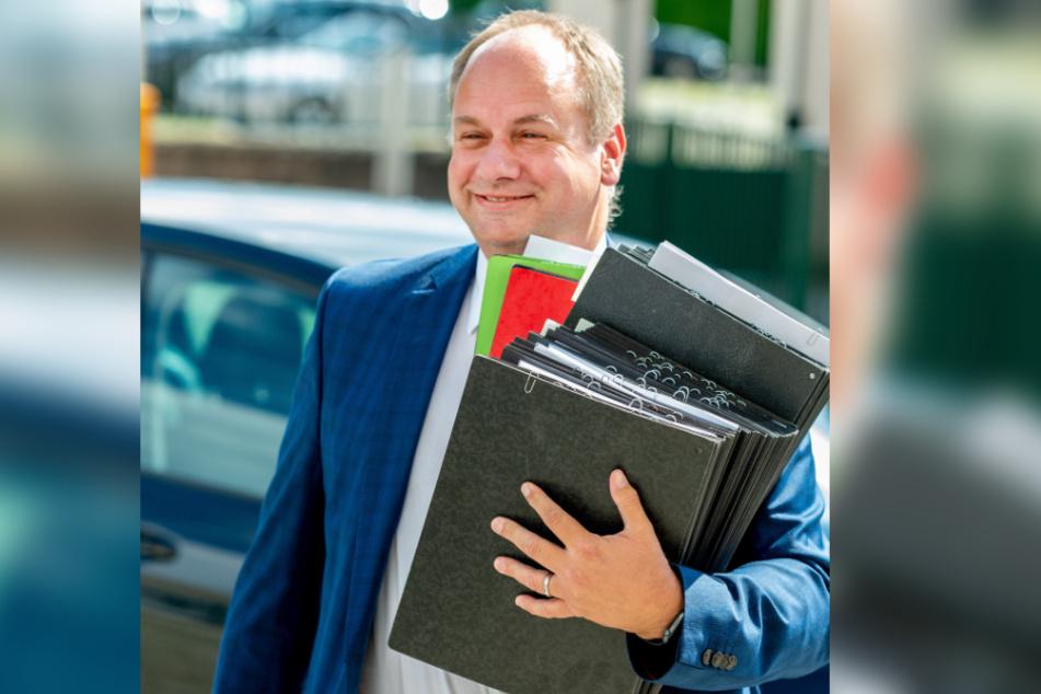 Will Details über die Seilbahn-Pläne wissen: OB Dirk Hilbert (48, FDP).