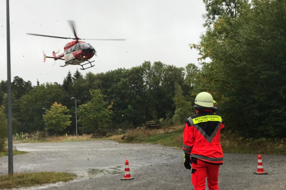Rettungshubschrauber ist im Einsatz.