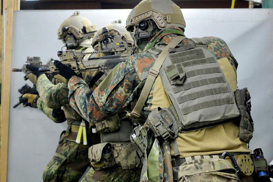 KSK-Soldaten beim Schießtraining. Bei mancher Übung verschoss die Truppe Zeugenaussagen zufolge mehr Munition als die Polizei in einem Jahr.