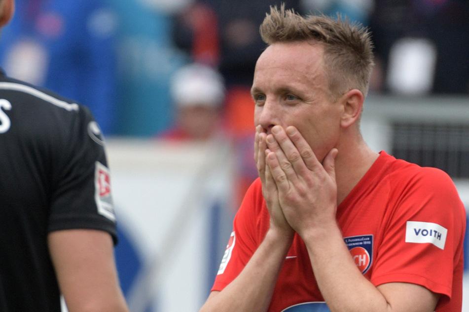 Arne Feick (32) spielte eine erfolgreiche Drittliga-Saison einst beim FC Erzgebirge Aue. Zuletzt schnürte er für Heidenheim seine Fußball-Schuhe.